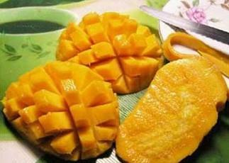 切开的芒果